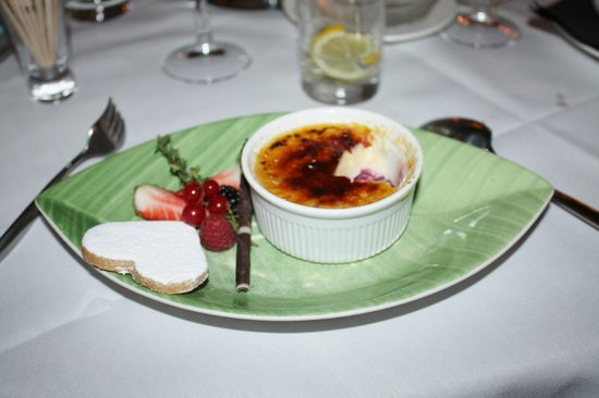 Lord Bute Hotel:                   Creme Brulee