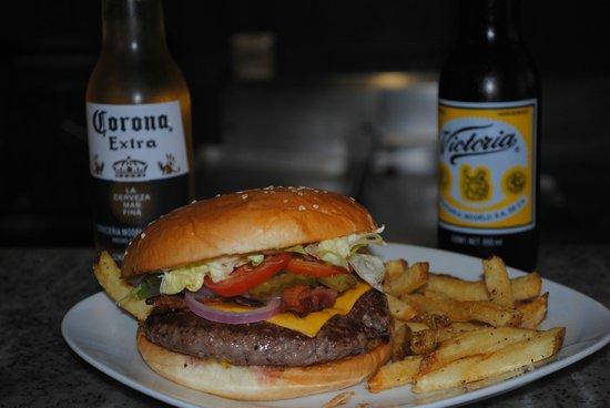 Derby City Burgers: Derby Burger