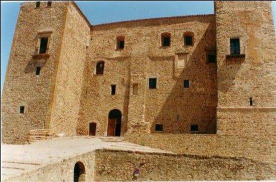 B & B Castelbuono Donjon: Castello a 30 metri