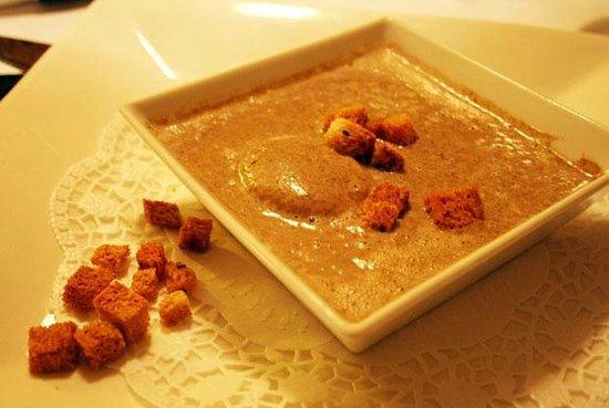 B&B La Fontaine :                   Грибной крем-суп. Вкуснее я не ела!