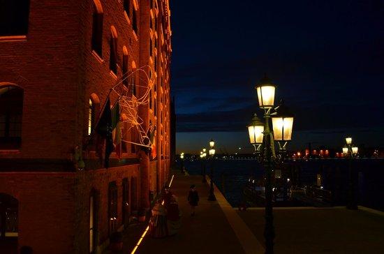 Hilton Molino Stucky Venice Hotel:                   Hotel entrance