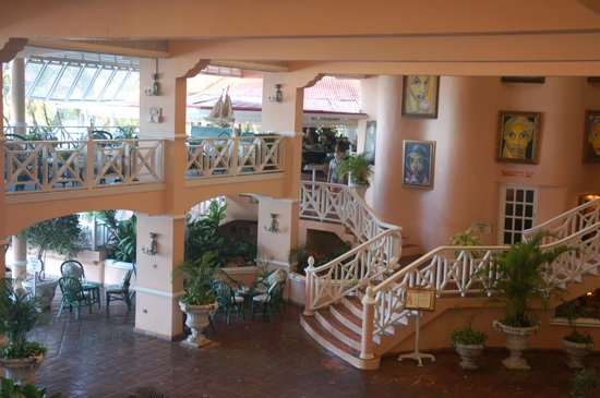 Coco Reef Tobago:                   Inside main lobby