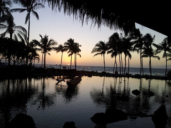 Grand Wailea - A Waldorf Astoria Resort:                   View during dinner