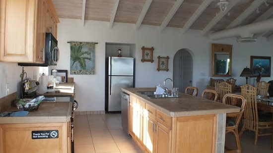 Crystal Sands Villa on the Beach:                   Kitchen