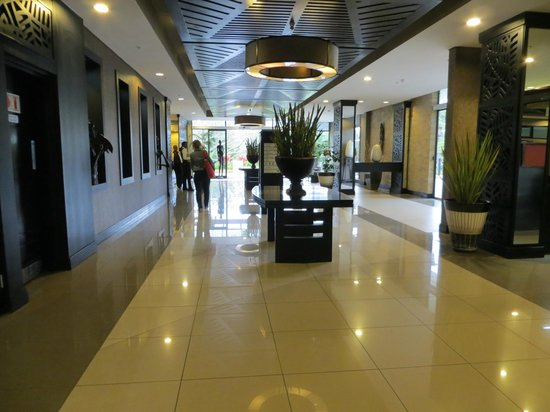 Mount Meru Hotel:                   Lobby
