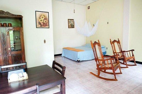 Guesthouse El Carmen: Studio, Queen Size bed