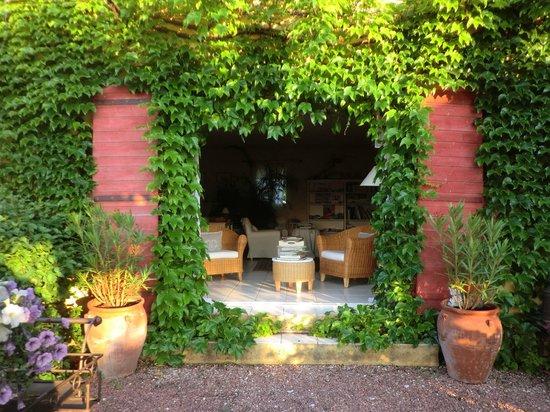 Le Mas Jorel:                                     la porte de jardin