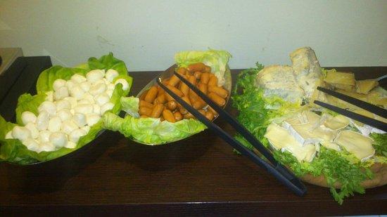 Acca Palace:                   Colazione salata (una parte del buffet)