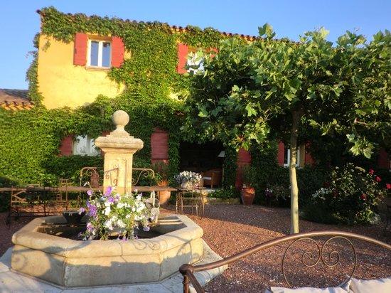 Le Mas Jorel:                                     jardin