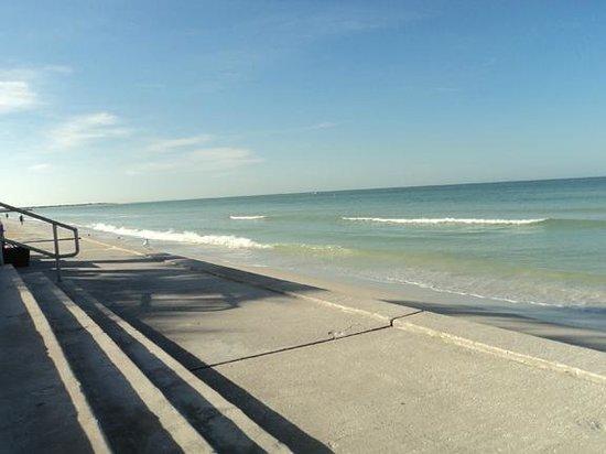 Pass-a-Grille:                   beach