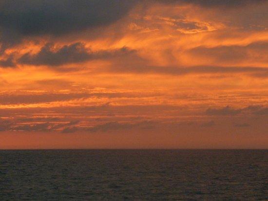 Meliá Puerto Vallarta All Inclusive:                   couchez de soleil