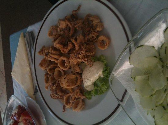 Restoran Galeb:                                                       Fried calamares - delicious