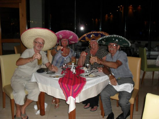 Grand Sirenis Riviera Maya Resort & Spa:                   with friends