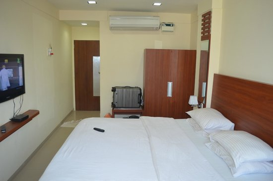 Graciano Cottages:                   Room