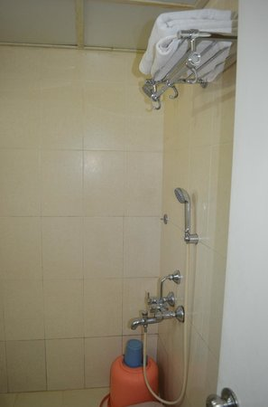 Graciano Cottages:                   Bathroom