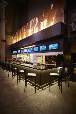 Turf Lounge: Turf Bar
