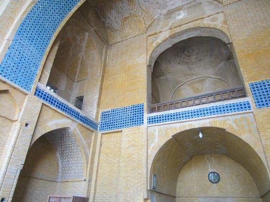 Monare Jonban - Shaking Minarates: Tomb