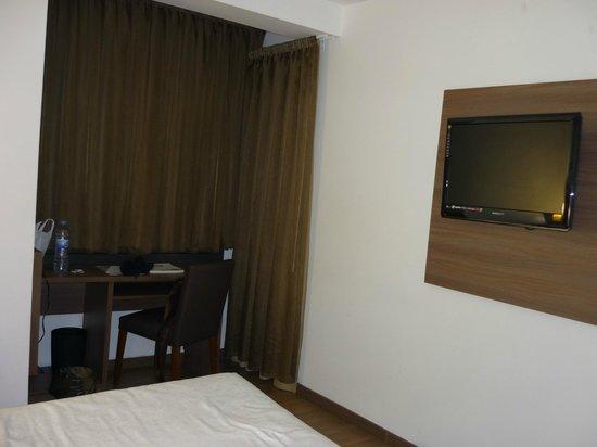 Auto Hogar Hotel:                   Camera
