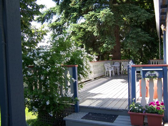 Richmond House B&B: Front Deck