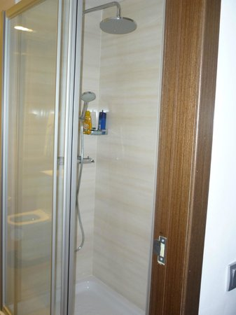 Hotel Auto Hogar:                   wc
