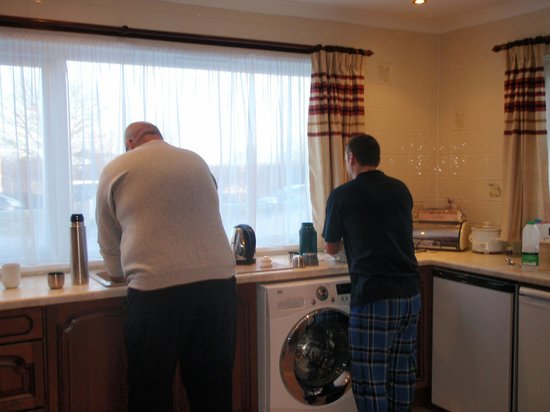 The Willows Cottages: The kitchen