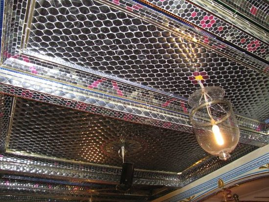 Shahpura House:                   Bedroom ceiling
