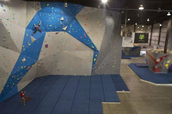 Hoosier Heights Indianapolis: 55 foot lines in the lead cave!