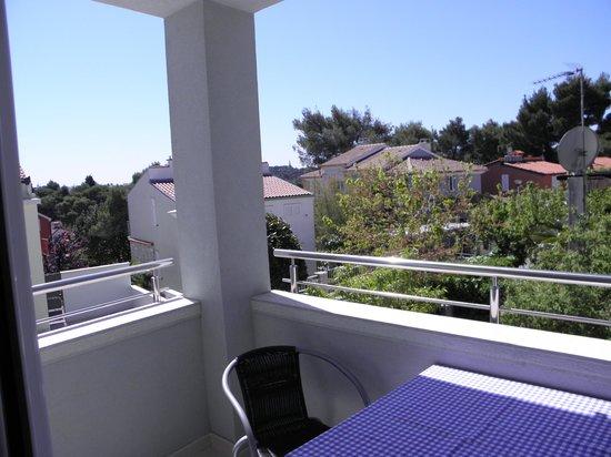 Villa Koka:                   the  balcony