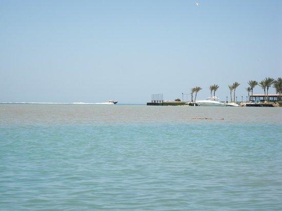 Zeytuna Beach :                   Пляж Затуна