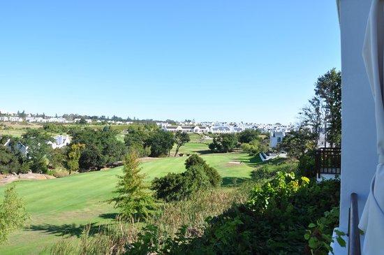 De Zalze Lodge:                   Utsikt över golfbanan