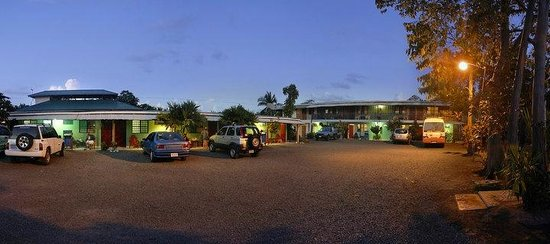 Hotel Maritza: Private  parking area