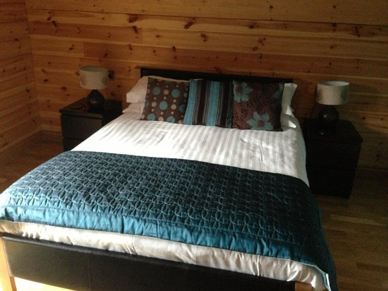 Black Hall Lodges:                   Master bedroom