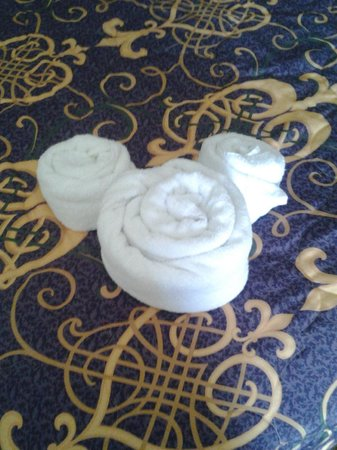 Disney's Port Orleans Resort - French Quarter:                   Towel Mickey