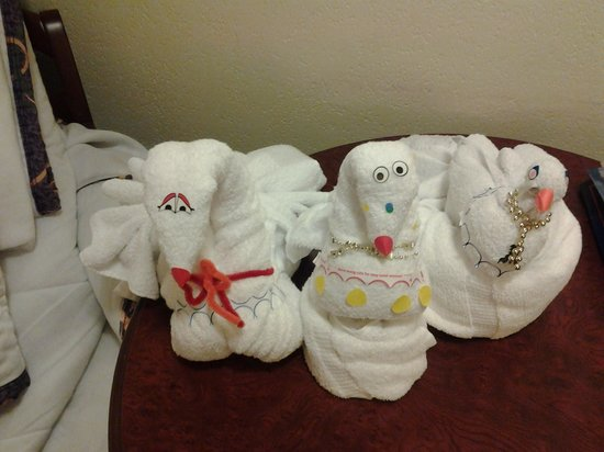 ‪‪Disney's Port Orleans Resort - French Quarter‬:                   Towel Animals