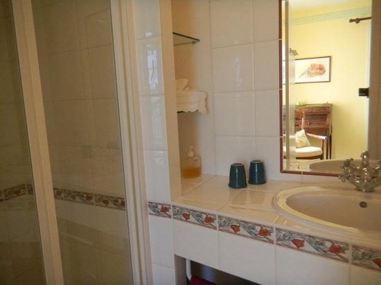 Manegat Bed&Breakfast: salle d'eau chambre verte