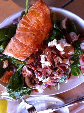 Marigold Cafe & Bakery : salmon salad. yummm