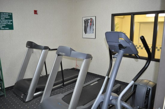 Quality Inn Brooklyn Center: Fitness Room
