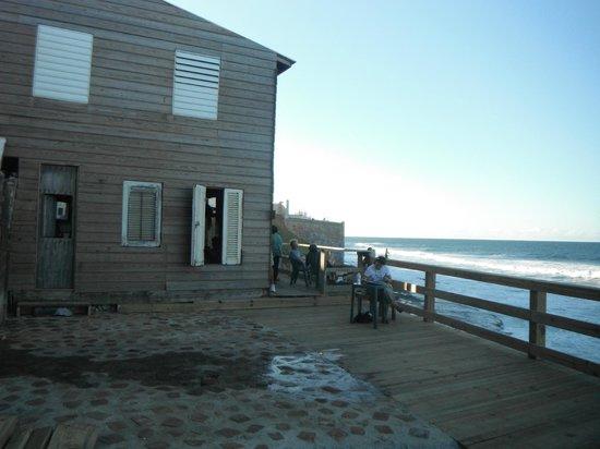 The Gallery Inn:                   Beach house