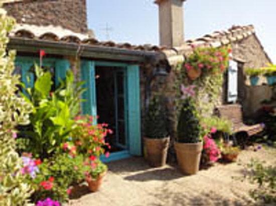 Riverside-Home-Cottage