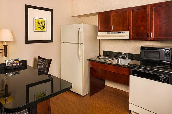 Homewood Suites Orlando-Maitland: Kitchen - Accessible