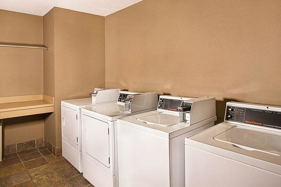 Homewood Suites Orlando-Maitland: Guest Laundry