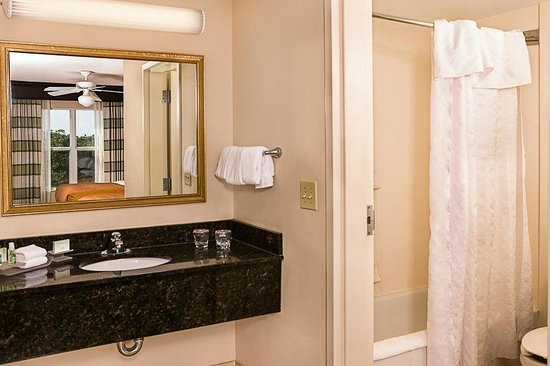 Homewood Suites Orlando-Maitland: Guest Suite Bathroom