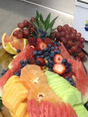 Holiday Inn Oakville:                   fresh fruit