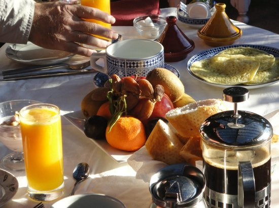 Riad Zolah :                   Breakfast al fresco