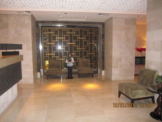 منتجع وسبا هيلتون الأقصر:                                     Near to the travel agency                                 