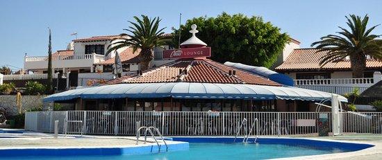 Oasis Pool Bar
