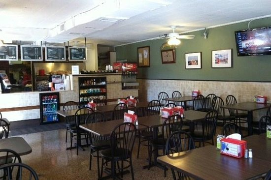 Chubby's Super Subs & Pizza: Chubby's has recently been remodeled.