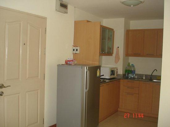 The Plim Place:                                     Kitchen