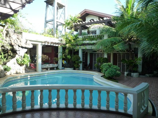Green gate bed and breakfast lapu lapu philippines for Chambre hotel mactan