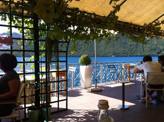 Hotel Ristorante Giardinetto:                   lunch under the gazebo